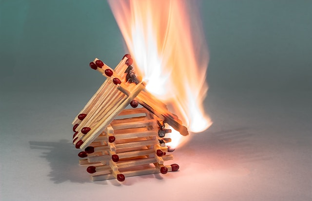burning-down-chain-reaction-fire